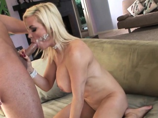 Classy cougar pussyfucked by hard young cock