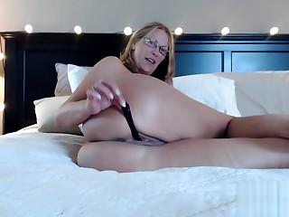 Big Ass Milf Jess Ryan Stuffs Panties