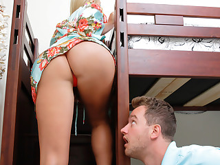 Vanessa Cage  Van Wylde in A Slippery Lesson - MilfHunter