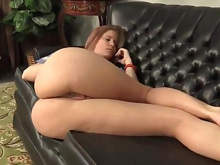 Fingering moms pussy