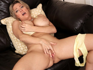 Dee Williams in After The Party - Anilos
