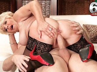 Deanna Bentley, Mid-Western Cream Pie Slut - Deanna Bentley And John Strange - 60PlusMilfs