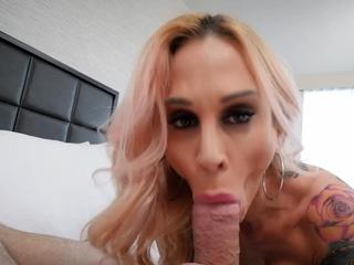 Blonde boss milf seducing her employee using her sexy body