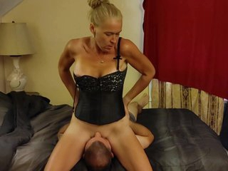 Face Sitting 69- Cunnilingus and Deep throat blowjob
