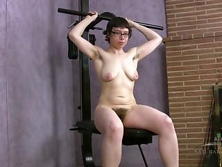 Bella - Nerd Big Ass