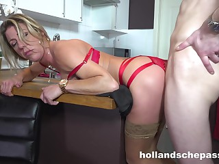 Lovely Housewife Likes To Fuck Big Dick
