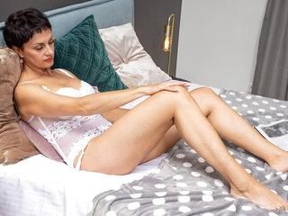 Daryna in European Beauty - Anilos