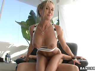 Brandi Love - White Milf Has A Huge Ass Hd