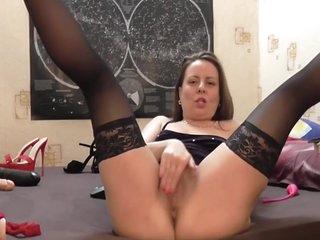 Horny Milf Mommy Dildoing Her Asshole