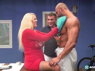 Shannon Blues Super-wild Big-tit Anal Threesome