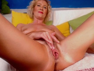 French Milf Make Webcam And Squirt