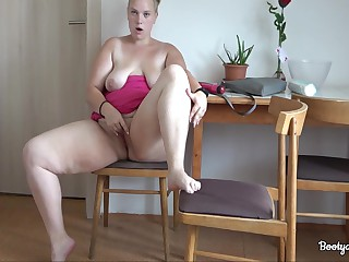 Big Booty White Babe Masturbates In Kitchen. 11 Min