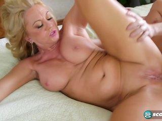 50 Plus Gilf Hardcore Sex - Cali Houston