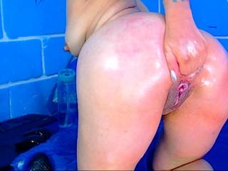 Webcam girl close up masturbation