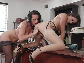 Exciting Young Cutie Gets Had Intercourse In The Office - Texas Patti, Texas Presley And Avi Love