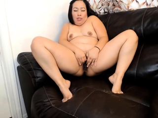 Asian curvy beauty will please and obey her daddy's orders